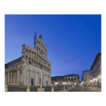 Toscana, Lucca, plaza San Micaela en el amanecer Posters