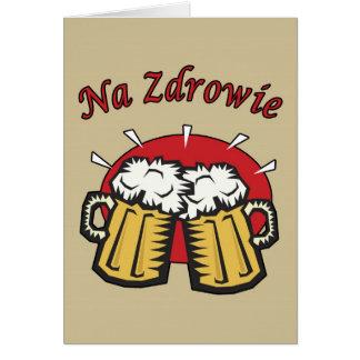 Tostada del Na Zdrowie con la tarjeta de las tazas