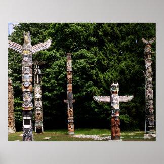 Tótemes del nativo americano, Vancouver, británica Póster