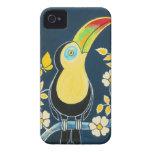 Toucan colorido en el cielo de azules marinos y iPhone 4 cárcasas