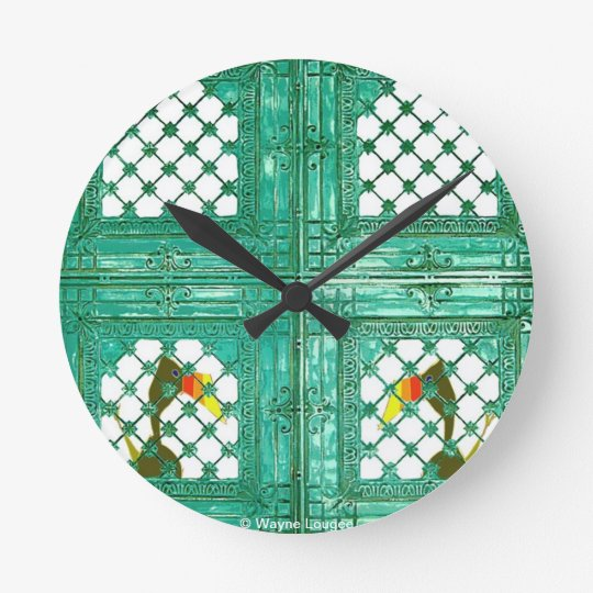 Toucans at the gate clock