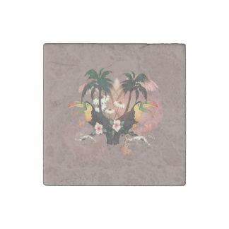 Toucans divertidos con la palma y las flores imán de piedra