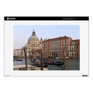 """Tourist in Gondolas from San Maria Del Giglio Skin For 15"""" Laptop"""