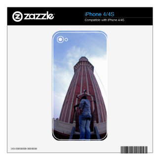 Tourist waving to friend from minaret skins for iPhone 4