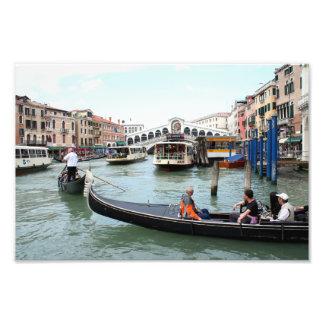 Tourists in Gondola look at Rialto Bridge, Venice Photo Print