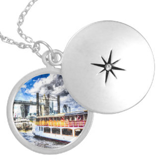 Tower Bridge and the Elizabethan Silver Plated Necklace