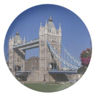 Tower Bridge, River Thames, London, England Dinner Plates