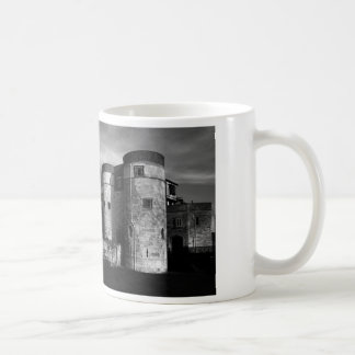 TOWER OF LONDON CLASSIC WHITE COFFEE MUG