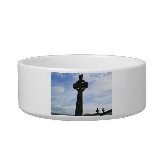 Towering Celtic Cross Cat Bowl