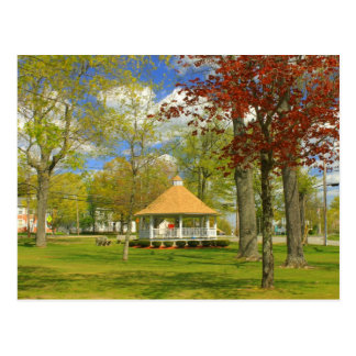 Town Common in Spring Templeton MA Postcard