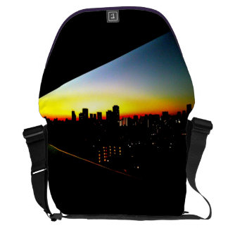 Town messenger bag of dawn