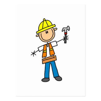 Trabajador de construcción con el martillo tarjeta postal