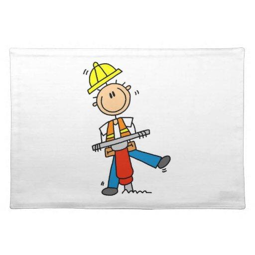 Trabajador de construcción construyo las camisetas manteles individuales