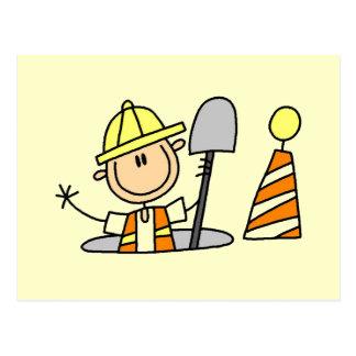 Trabajador de construcción en camisetas y regalos postal