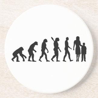 Trabajador del cuidado de niños de la evolución posavasos diseño