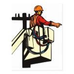 Trabajador del electricista del instalador de líne postal