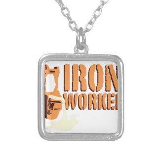 Trabajador del hierro colgante cuadrado