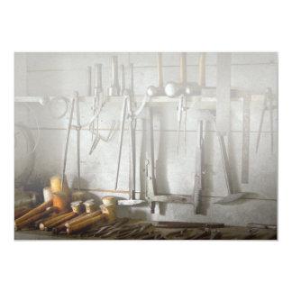 Trabajador del metal - herramientas de un forjador invitación 12,7 x 17,8 cm