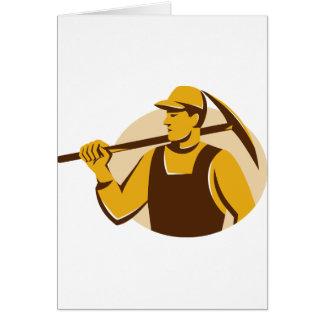 trabajador del minero con el hacha de la selección tarjeta de felicitación