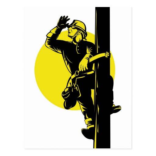 Trabajador eléctrico del electricista del instalad tarjeta postal