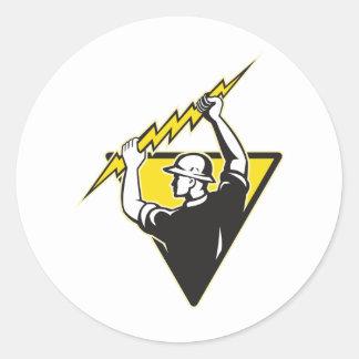 Trabajador eléctrico del electricista del etiquetas redondas