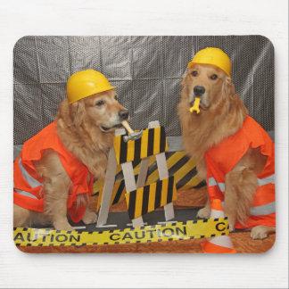 Trabajadores de construcción del golden retriever mouse pad