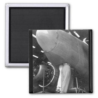 Trabajadores en la imagen plant_War de los aviones Imán Cuadrado