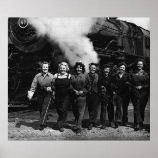 Trabajadores inspirados del ferrocarril de las muj póster
