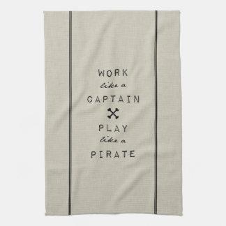 Trabajo como un capitán Play Like A Pirate Toalla De Mano