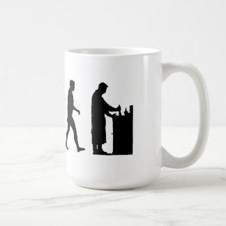Trabajo de la evolución de la química del farmacéu tazas de café