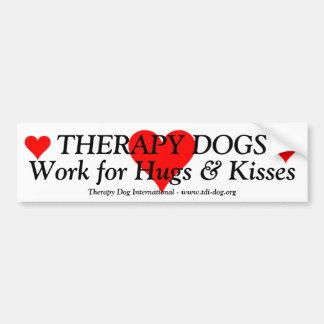 Trabajo de los perros de la terapia para los abraz pegatina para auto