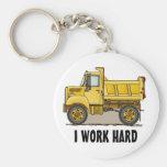 Trabajo el pequeño llavero duro del camión volquet