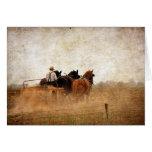 Trabajo en el terreno accionado caballo, tarjeta de felicitación
