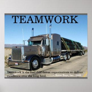 Trabajo en equipo del camión póster