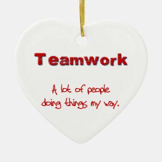 ¡Trabajo en equipo! ¡Todos que hacen cosas MI Adorno Navideño De Cerámica En Forma De Corazón