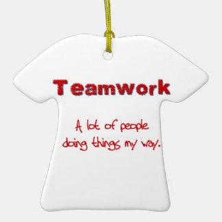 ¡Trabajo en equipo! ¡Todos que hacen cosas MI Adorno De Navidad