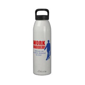 Trabajo más difícilmente. Millones en bienestar de Botellas De Beber