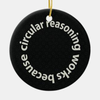 Trabajos circulares del razonamiento porque adornos de navidad