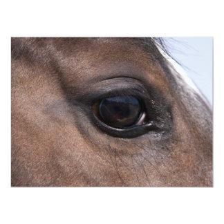 Trabajos de exhibición de los artistas del caballo