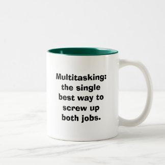 Trabajos múltiple: la sola mejor manera de taza de café de dos colores