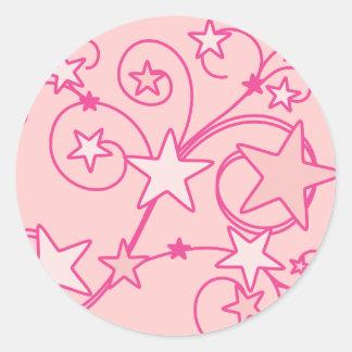Trabajos rosados de Swirly Pegatina Redonda