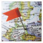 Trace el perno colocado en Berlín, Alemania en map Azulejo Cuadrado Grande