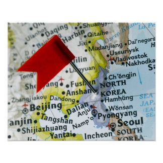 Trace el perno colocado en Corea del Norte en el m Posters