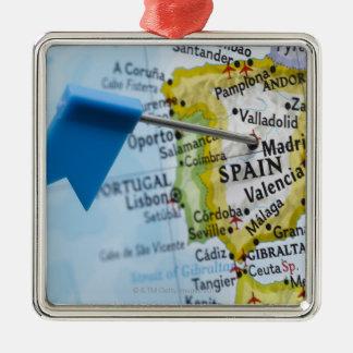 Trace el perno colocado en Madrid, España en el Adorno Navideño Cuadrado De Metal