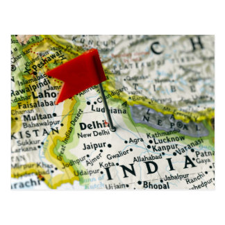 Trace el perno colocado en Nueva Deli la India en Postales