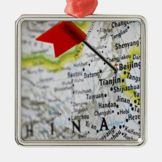 Trace el perno colocado en Pekín, China en mapa, Adorno Navideño Cuadrado De Metal