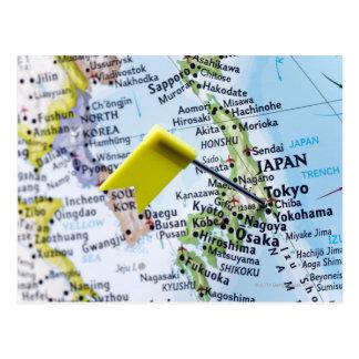 Trace el perno colocado en Tokio, Japón en el Postal