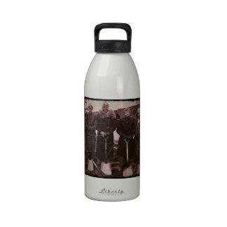 Trackwomen en el ferrocarril WWII Botellas De Agua Reutilizables