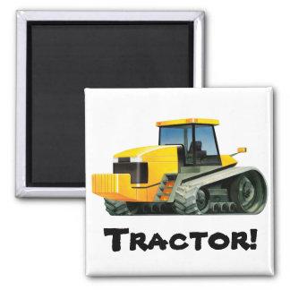 Tractor amarillo de encargo de los niños imán cuadrado