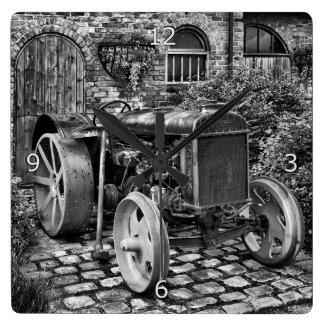 Tractor de Fordson del vintage, Bredbury Pasillo Reloj Cuadrado
